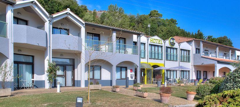 HOTEL b&B Villeneuve-Loubet-Village-Facade